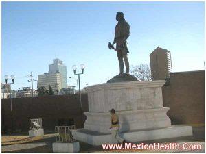 statue-in-mexico