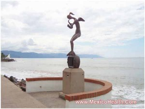 statue-near-puerto-vallarta-beach