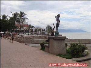 malecon-in-puerto-vallarta-mexico